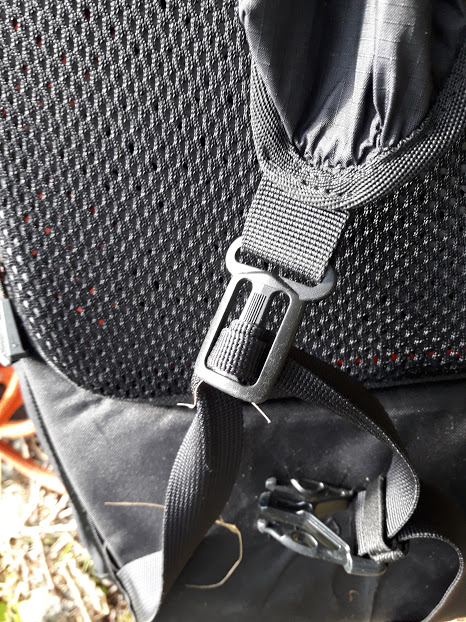 Inov-8 All Terrain 35 backpack detail picture of buckle and strap